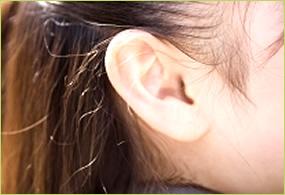 SWAROVSKI耳つぼジュエルのイメージ